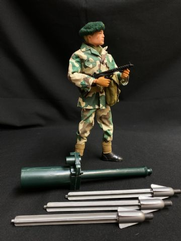 ACTION MAN - VINTAGE - ROYAL MARINE COMBAT CAMO VARIANT with Missile Launcher